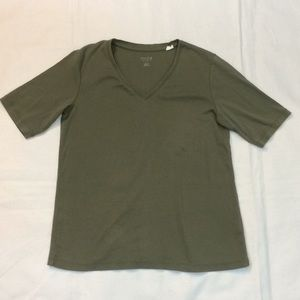 Chico's true color tee shirt olive green